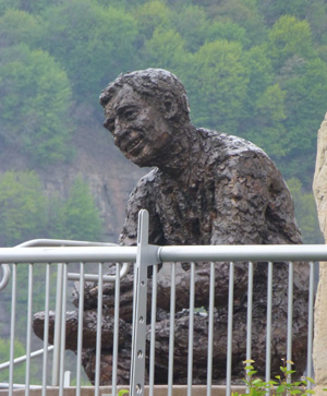 Statue of Mr. Rogers