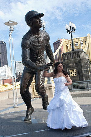 pittsburgh-wedding-statue
